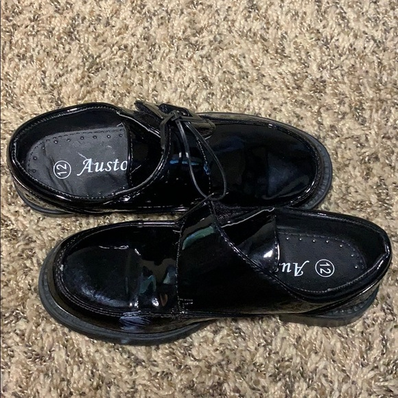 Auston little boys dress shoes